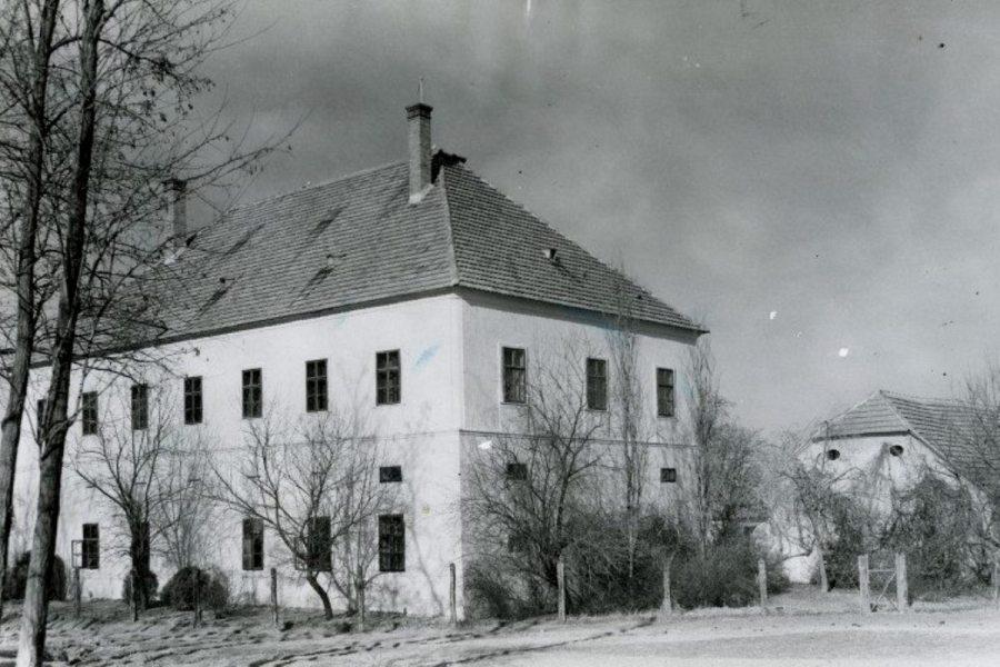 A Balogh–Esterházy-kastély a 30-40-es években