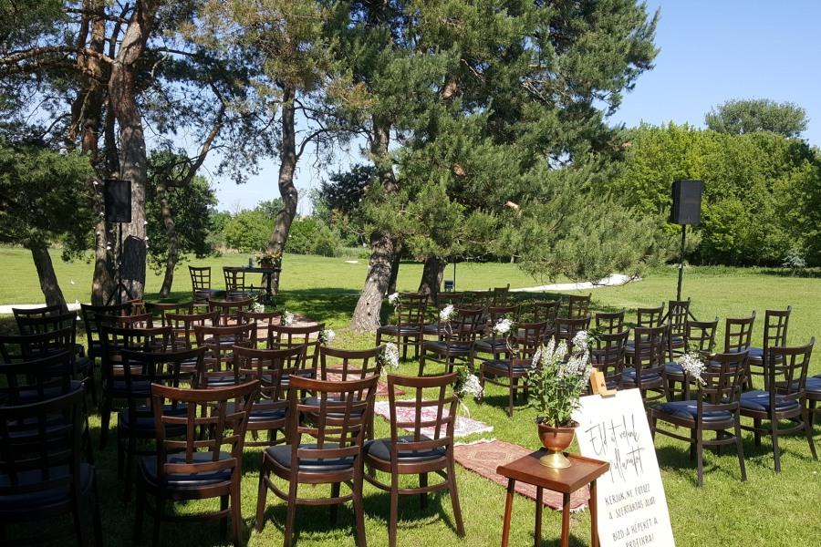 Esküvő a fák árnyékában - Balogh–Esterházy-kastély